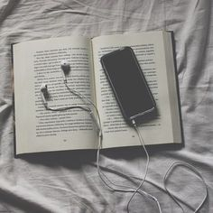 How beautifully expressed! Book Aesthetic, White Aesthetic, Aesthetic Photo, Fred Instagram, Niels Schneider, Foto Casual, Music Wallpaper, Coffee And Books, Book Photography