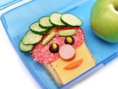 Quelle allure ! Sandwiches, Plastic Cutting Board, Food Art, Weather, Fantasy, Snacks, Kitchens, Paninis