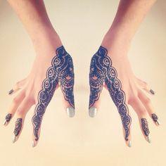 simple henna design …