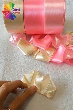 best art work anyone should watch this video craft videos - Craft Video Kids Crafts, Diy Home Crafts, Diy Arts And Crafts, Cute Crafts, Creative Crafts, Crafts To Do, Craft Projects, Recycling Projects, Ribbon Projects