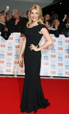 Red Carpet Glamour at The National Television Awards Holly Willoughby Style, Holly Marie, Flawless Beauty, Tv Presenters, Blonde Women, Hot Blondes, Red Carpet Dresses, Stylish Outfits, Stylish Clothes