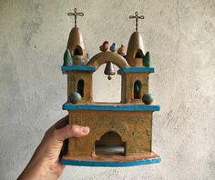 Mexican pottery folk art church with bell and birds primitive Southwestern decor Mexican Style, Mexican Folk Art, Vintage Pottery, Pottery Art, Restaurant Mexicano, New Mexico Style, Frida And Diego, Mexican Ceramics, Old Plates