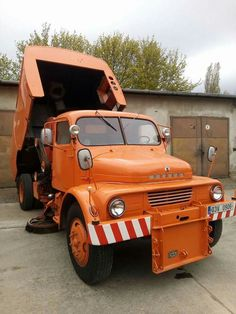 Praha S5T Commercial Vehicle, Car Brands, Classic Trucks, Cars And Motorcycles, Techno, Cool Cars, Monster Trucks, Vehicles, Retro
