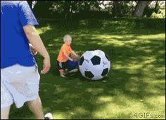 nwEFqzr6S9GHb6Sg9QQH_Kid Soccer Ball Head.gif (297×216)