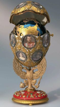 treasures-of-imperial-russia: Year Jubilee. Created in 1913 to commemorate the of the Romanov family on the Russian throne. Made for Alix and is adorned with miniatures of. Tsar Nicolas, Tsar Nicholas Ii, Egg Names, Decoration Baroque, Fabrege Eggs, Art Nouveau, Art Deco, Sculpture Metal, Imperial Russia
