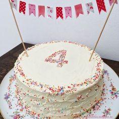 - 4 years and a rainbow cake / birthday cake / birthday . - Torte - first birthday cake-Erster Geburtstagskuchen First Birthday Cakes, Diy Birthday, Birthday Parties, Happy Birthday, Graduation Parties, Birthday Sweets, Food Cakes, Apple Smoothies, Savoury Cake