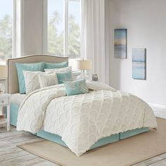 Style your bedroom in chic coastal style with the Canon Beach Comforter Set from Harbor House. Crafted in cotton, the comforter is designed with a scalloped pattern using tufted chenille for texture. Matching pillow shams are also included. Bed Bath & Beyond, Beach Cottage Style, Beach Cottage Decor, Coastal Style, Coastal Decor, Beach Chic Decor, Coastal Interior, Coastal Cottage, Beach Condo Decor