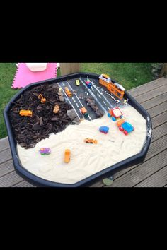 Diggers tuff spot idea Going to order Finn a tuff tray this week :) Childcare Activities, Nursery Activities, Outside Activities, Work Activities, Sensory Activities, Preschool Activities, Outdoor Activities, Transportation Activities, Dinosaurs Preschool