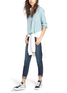 This denim on denim look is perfect for running errands.