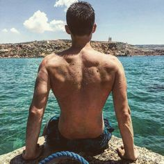 """Polubienia: 150, komentarze: 3 – Maciej Zyskowski (@m.zyskowski) na Instagramie: """"Dobrze że jeszcze lato na zdjęciach zostało 😎🌕 #me #health #fitness #fit #sun #malta…"""""""