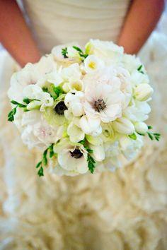 Bridal bouquet: http://www.stylemepretty.com/colorado-weddings/denver/2014/10/09/vintage-denver-wedding-at-grant-humphreys-mansion/ | Photography: David Lynn - http://www.davidlynnphoto.com/