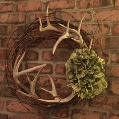 Barbed wire, grapevine, hydrangeas, and antlers...my new fall wreath!