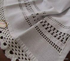Ces points de repère avec attache ces co plus basiques Hardanger Embroidery, White Embroidery, Ribbon Embroidery, Embroidery Stitches, Embroidery Patterns, Crochet Double, Drawn Thread, Gaines, Le Point