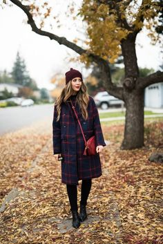 Plaid Coat, Black Skinny Jeans | how to style a winter coat | winter coat fashion | winter style | winter outfit ideas | outfit ideas for winter | fashion tips for winter | style ideas for winter | cold weather fashion || The Girl in the Yellow Dress #winterfashion #plaidcoat #wintercoat