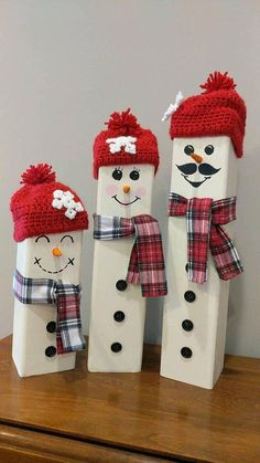 Made to order wooden snowman family. Sold as sets of three, but just message us know if you would like a larger family. Additional child size snowmen available here: Snowman Crafts, Christmas Projects, Holiday Crafts, Christmas Crafts, Christmas Decorations, Christmas Ornaments, Holiday Decor, Christmas Mood, Holiday Wreaths