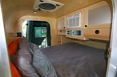 Camper Trailer Inside Design Concepts For You - Crithome Off Road Teardrop Trailer, Teardrop Trailer Interior, Teardrop Trailer Plans, Teardrop Camping, Teardrop Camper Trailer, Off Road Camper Trailer, Airstream Interior, Camper Trailers, Travel Trailers