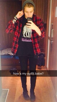 Luke snapchatting you his outfits for approval cuz we all know they r all still children