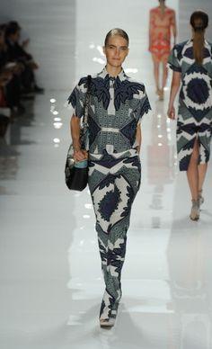 Mercedes-Benz Fashion Week : DEREK LAM