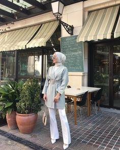 ✔ Office Outfits Women Casual Summer Source by dress hijab Modest Fashion Hijab, Modern Hijab Fashion, Street Hijab Fashion, Casual Hijab Outfit, Hijab Chic, Hijab Dress, Muslim Fashion, Ootd Hijab, Hijab Fashion Summer