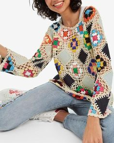 We have knitted more than the cardigan of this model 🥰 It is very beautiful as a blouse ❤️ Ã . Form Crochet, Crochet Lace, Crochet Designs, Crochet Patterns, Diy Crafts Crochet, Rainbow Crochet, Crochet Blouse, Crochet Clothes, Clothing Patterns