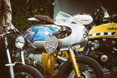 Custom Bikes, Classic Motorcycles, Cafe Racer Dreams and Mean Machines. Bmw Cafe Racer, Cafe Racer Build, Honda Scrambler, Yamaha, Motorcycle Companies, Boxer, Custom Bikes, Car Insurance, This Or That Questions