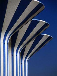 Stripes and sky. Xk #kellywearstler #myvibemylife #blue