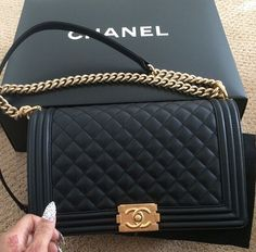 Chanel Black Leather Boy Bag- by Cris Figueired♥ 8ee8165211384