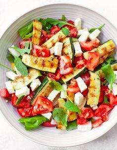 Caprese Salad, Pasta Salad, Cobb Salad, Salad Dressing, Feta, Salads, Party, Food Porn, Lunch Box