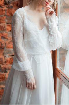 Nika Airy light wedding dress