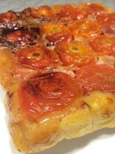 Tatin de tomate dans le moule tablette humm....dés que j'ai vu cette recette, j'ai tout de suite voulu la tester ! J'en profite pour remercier ma collègue demarlette Laetitia &d'au grè de mes envies&, qui me l'a fortement inspirée. J'ai rajouté ma petite...