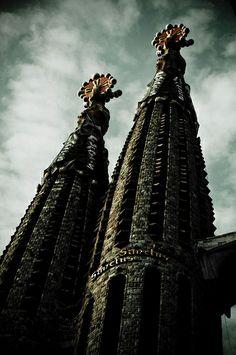 Barcelona. El templo de la Sagrada Família   Barcelona Airport  Arrival Shuttle Transfer ! , Costa Brava & Catalunya The best excursions in Barcelona with pleasure; your guide to Catalonia and Spain http://barcel