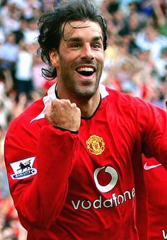 The reason why i choose Ruud van Nistelrooy over Johan Cruijf as football hero is because he only retired a couple of years ago. I actually got the change to play with him and he's a very nice guy.