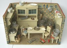 Antikes Puppenhaus bei smehreen-dollhouse / Antique Dollhouse Kitchen at smehreen-dollhouse