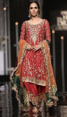 Shadi Dresses, Pakistani Formal Dresses, Pakistani Outfits, Pakistani Sharara, Mehendi Outfits, Walima, Anarkali, Indian Outfits, Types Of Dresses Styles