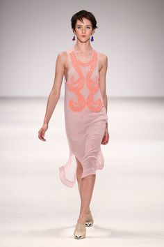 The stunning Alice McCall dress alone is all the motivation I need to exercise so that I can wear it this summer!!!! With a Petit Peach Fleur  band of course...