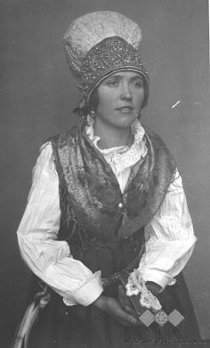 Slavic Folk Costumes and Accesories Folk Costume, Costumes, Folk Clothing, European American, Historical Dress, Serbian, Vintage Pictures, Fashion History, Traditional Outfits