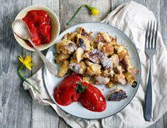 Kaiserschmarrn Rezept mit Erdbeersorbet. Gelingsicheres Rezept für das köstliche Dessert, dass ihr aus dem Bergurlaub kennt. Wie Pfannkuchen nur besser.