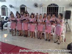 Modelos de fardas para Grupos Evangélicos: Modelo de farda para senhoras do círculo de oração... Choir Uniforms, Bridesmaid Dresses, Wedding Dresses, Make A Wish, Fashion Outfits, Womens Fashion, How To Wear, Clothes, Floral