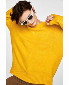 Image 4 of OVERSIZED SWEATER from Zara