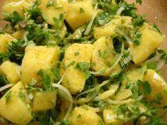 πατατοσαλάτα με κάπαρη Greek Beauty, Greek Recipes, Sprouts, Broccoli, Potato Salad, Recipies, Food And Drink, Potatoes, Tasty