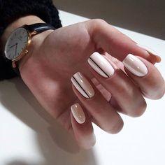 Kein Name - Nageldesign - Nail Art - Nagellack - Nail Polish - Nailart - Nails - crismas Fun Nails, Pretty Nails, Nail Polish, Nail Manicure, Trendy Nail Art, Nail Designs Spring, Stripe Nail Designs, Simple Nail Art Designs, Simple Art