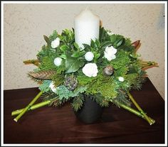 Voorbeeldkaart - Kerststukje op ster van cornustakken. - Categorie: Bloemschikken - Hobbyjournaal uw hobby website