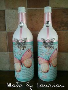 Glass Bottle Crafts, Wine Bottle Art, Painted Wine Bottles, Diy Bottle, Bottles And Jars, Jar Art, Altered Bottles, Bottle Painting, Mason Jar Crafts