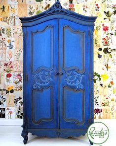 Knock out BLUE! My colour confident Painter In Residence Ildiko Horvath painted this classic French armoire in bright blue. The whole piece is Napoleonic Blue knocked back with a little French Linen. She blended the colours together while she worked, using a spray bottle filled with water to keep the paint wet and adding a little Aubusson Blue along the way. A mix of Honfleur and French Linen was painted into the recesses of the door panels.