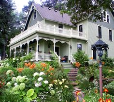Berwood Hill Inn - Historic Bed & Breakfast - Lanesboro, Minnesota  Award winning country estate