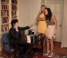 Gossip Girl Season 5. Dan Humphrey, Serena van der Woodsen, Blair Waldorf.
