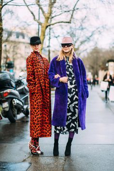 9333b8383b6e Majestic Prints - Flawless Street Style Snaps From Paris Fashion Week