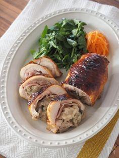 もち麦のぷちぷち感とベーコンがいいアクセントになるチキンロールです。 レシピID:400496 を使って作る1品です。 リメイクとは思われない1品。ちょっとしたおもてなしにもおすすめです。 Pork, Turkey, Meat, Recipes, Kale Stir Fry, Turkey Country, Ripped Recipes, Pork Chops