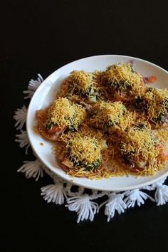 a popular Indian street food recipe. This tongue tickling  chaat recipe is from Mumbai.