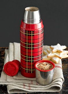 Classic Plaid Thermos for Apres-Ski Hot Cocoa Tartan Christmas, Christmas Time, Vintage Christmas, Christmas Ideas, Xmas, Zojirushi Thermos, Coffee Thermos, Tartan Plaid, My Favorite Color